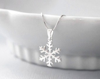 Unique Jewelry Sterling You Pick Color Made To Order Snowflake Necklace Pendant Pendant Preserved Snowflake OOAK Real Snowflake