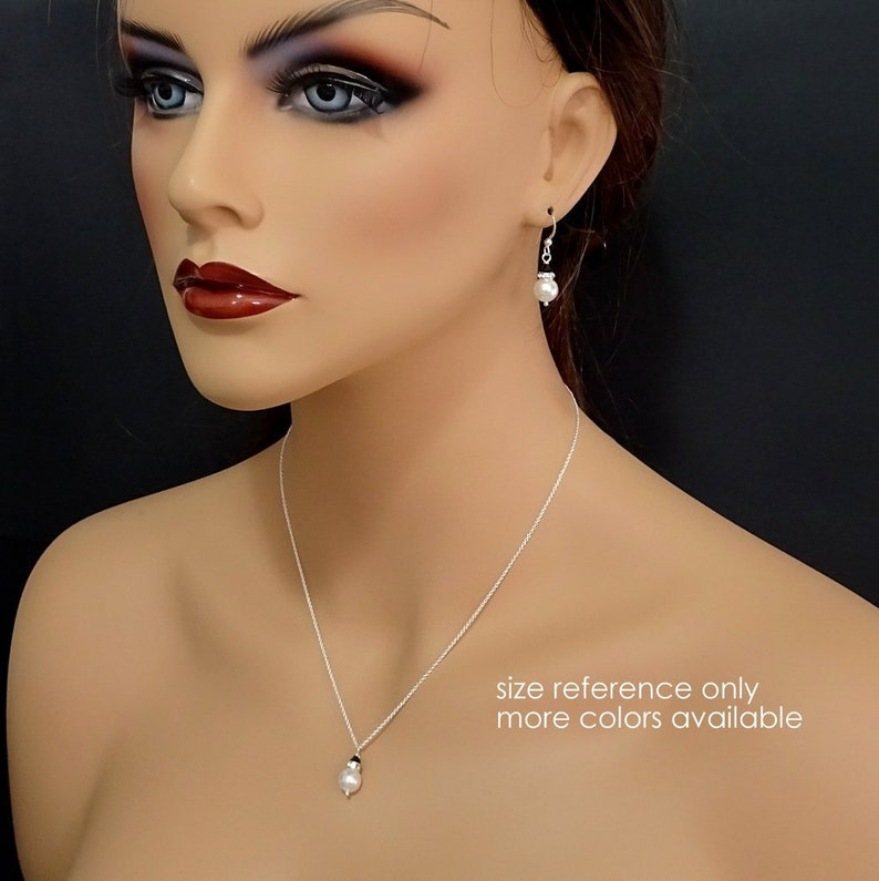 CHOOSE YOUR COLORS Bridesmaid Jewelry Set Bridemaid Necklace and Earring Set Dark Sapphire Jewelry Ivory Cream Pearl and Navy