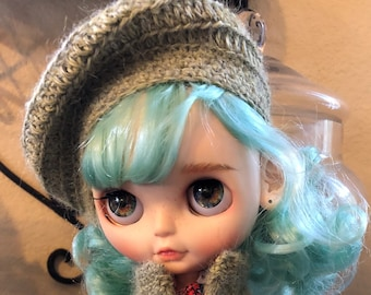 Knitted Slouchy Beret Hat and Cardigan Sweater Set in Green for a Blythe Doll custom