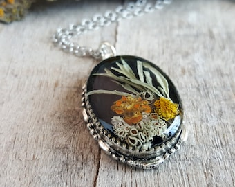 Real Lichen Necklace - Nature Jewelry - Botanical Jewelry - Woodland Necklace - Silver Oval Lichen Necklace