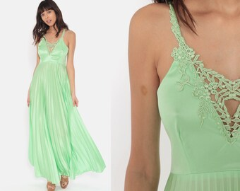 ca47b9174477e 1970s Maxi Dress Green Pleated Grecian Gown 70s Deep V Neck Crochet Party  Long Spaghetti Strap Vintage Flowing Disco Sexy Dress Formal Small