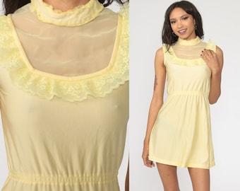 70s Black /& White COTTON Lace Trim FRILLED Hem BIB Front Dress Victoriana UK1012