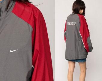 Nike coupe-vent veste des années 80 en Nylon Shell Zip veste rayé Color  Block Retro Vintage des années 90 de sport Taupe gris xl Extra Large rouge dcd18f8f79ba