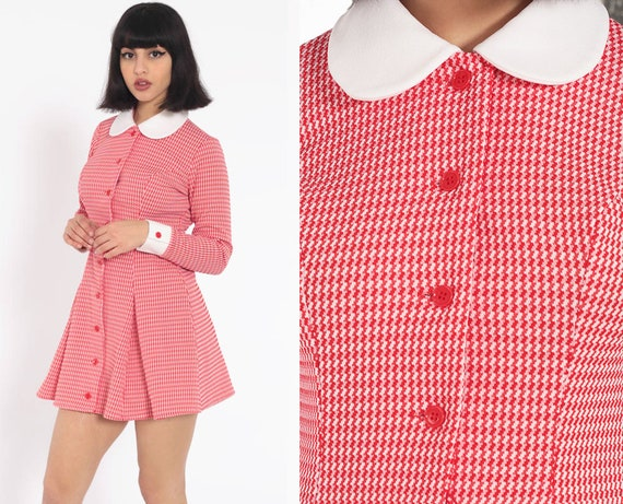 Peter Pan Collar Dress 70s Red Checkered Mod Mini Dress Pleated Button Up Dress Shift Long Sleeve Scooter 1970s Vintage Small