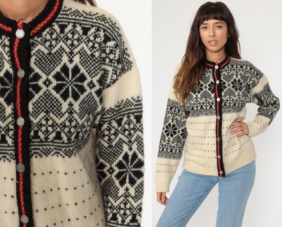 Norwegian Sweater FAIR ISLE Cardigan 90s Wool Sweater Hippie Boho Nordic Sweater Vintage Bohemian Cream Black Snowflake Button Up Medium