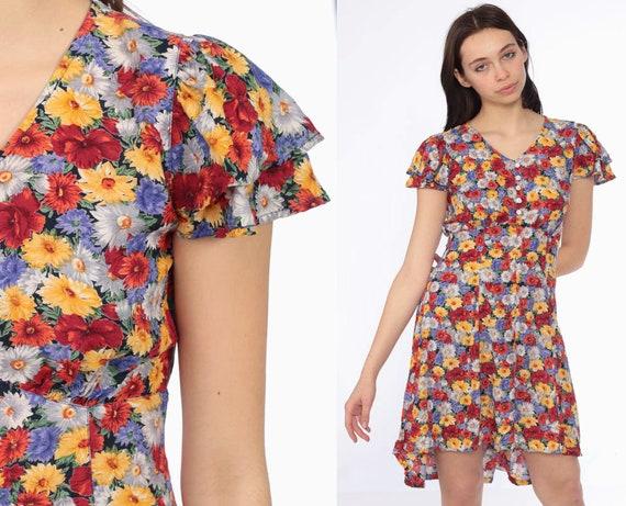90s Floral BABYDOLL Dress -- 1990s Grunge Mini Daisies Dress High Waist Bohemian Vintage High Waist Button Up Flutter Sleeve Extra Small XS