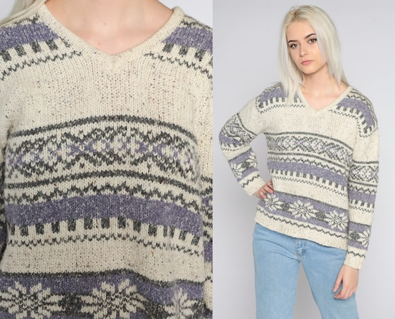 Fair Isle Sweater 90s Cream Striped Pullover Sweater GEOMETRIC PRINT Cotton Acrylic Knit Lavender V Neck Sweater 1990s Vintage Medium Petite