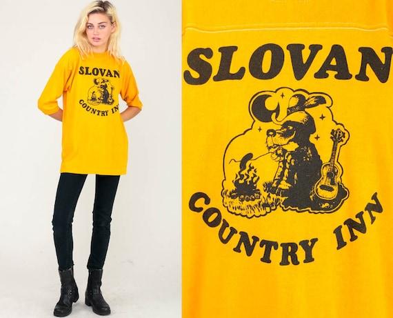 Graphic Tee Shirt Vintage SLOVAN COUNTRY INN 80s Tshirt Country Cowboy Shirt Wisconsin Yellow Retro T Shirt 1980s Print Extra Large xl
