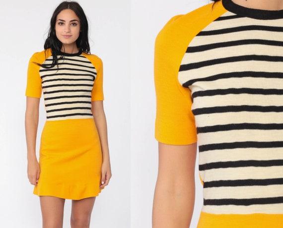Mod Mini Dress Yellow Striped Knit Dress 70s Ringer Raglan Sleeve 60s Sheath Vintage Simple Minidress Twiggy Short Sleeve Extra Small xs