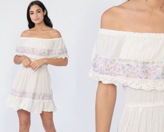 Off Shoulder Mexican Dress Mini Boho Embroidered Lace Peasant Dress Sundress Off-White Hippie Bohemian High Waist Vintage Extra Small xs s