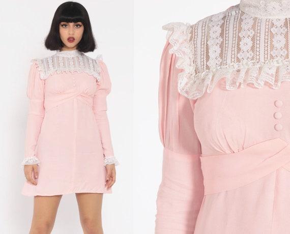Pink Lace Bib Dress Babydoll Dress 70s Mini Dolly Pastel Baby Pink 60s Mod Minidress Empire Waist Puff Sleeve Vintage LOLITA Extra Small xs