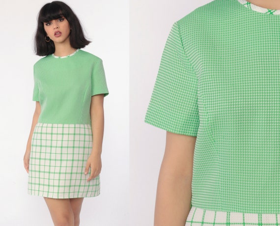 Green Checkered Dress 70s Mod Dress Mini High Waisted Waffle Knit Plaid Dress Polyester Twiggy 60s Short Sleeve White Vintage Retro Large
