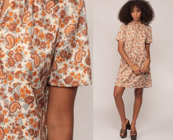 70s Boho Dress Mini KEYHOLE Shift Paisley Print 1970s Short Sleeve BOW Vintage Bohemian Mod Retro Hippie Orange Brown Hippy Large