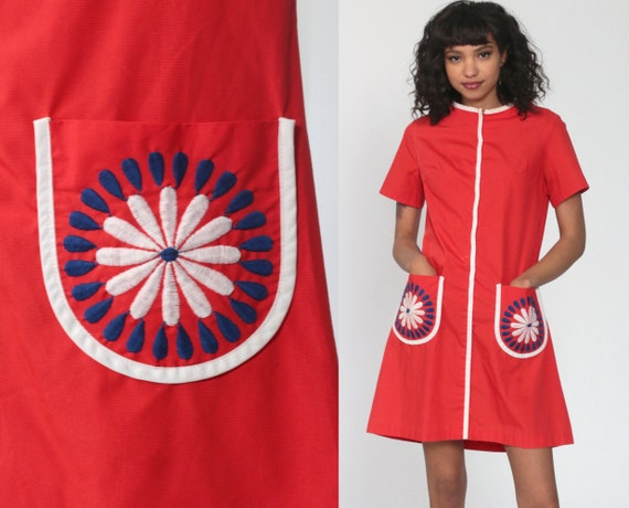 Embroidered Floral Dress Red Flower Power Dress Mod Mini 60s Shift Pocket 70s Hippie Boho Summer Front Zip Vintage Short Sleeve Small Medium