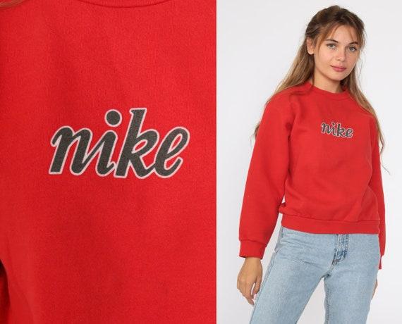Nike Sweatshirt -- 90s Red Sports Shirt Nike Spellout Shirt 1990s Streetwear Crewneck Sweatshirt Vintage Slouchy Small