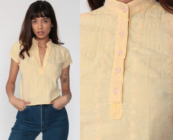 Indian EMBROIDERED Top Yellow Floral Blouse 70s Hippie Shirt Boho Button Up Shirt Vintage Bohemian Top 1970s Short Sleeve Extra Small xs