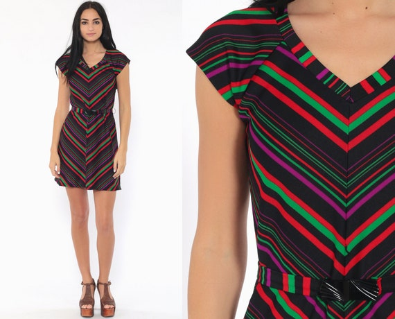 Chevron Stripe Dress 70s Mini Black V Neck Belted 1970s Boho Hippie Shift Bohemian Festival Vintage Mod Cap Sleeve Red Green Small Medium
