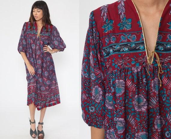 Bohemian Maxi Dress 70s Hippie Dress Red Purple Caftan Floral Print 1970s Boho Long Sleeve Long Tent Tunic Small Medium Large