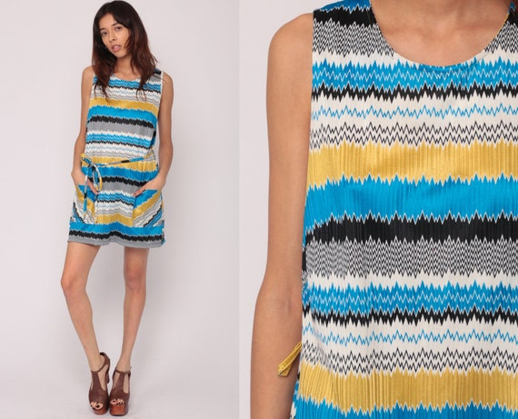 60s Mod Dress XL Mini Striped Print BELTED 1960s Shift Vintage Twiggy Sleeveless 70s Zig Zag Dress Gogo Minidress Blue Plus Extra Large xl