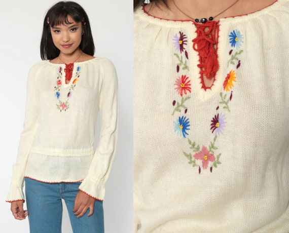 Floral EMBROIDERED Sweater 70s Boho Sweater Cream Knit Peasant Top Keyhole Bohemian 1970s Pullover Vintage Jumper Retro Small s