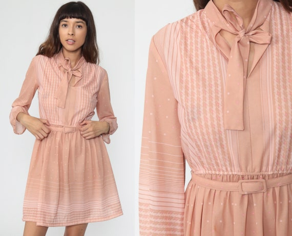 Striped Mini Dress 70s Ascot Tan Pink Secretary Dress 80s Boho Bow High Waisted Retro Dress Vintage Long sleeve Bohemian Extra Small xs