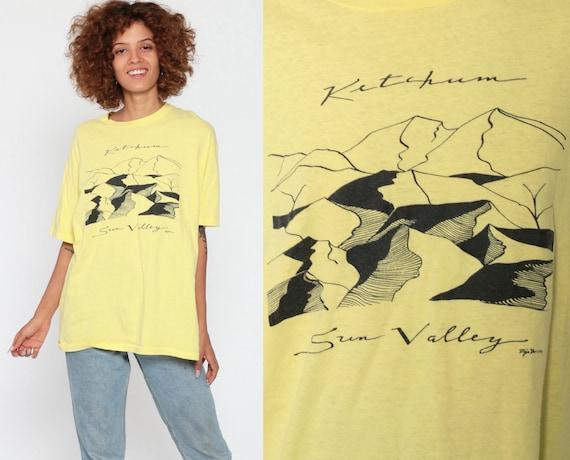 Ketchum Idaho Shirt 80s Sun Valley Mountain Shirt Graphic Tee Retro Tshirt Travel Top Vintage Yellow Hanes USA 1980s Soft Medium Large