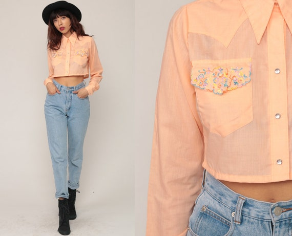 Western Crop Top 70s Blouse Floral Shirt EMBROIDERED Peach Cowboy Pearl Snap Button Up Top 1970s Vintage Hipster Long Sleeve Small Medium