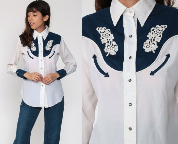 Western Shirt FLORAL Embroidered 70s Long Sleeve Collared Pearl Snap Blouse Button Up Cowboy Rodeo Shirt Vintage Retro Small 6