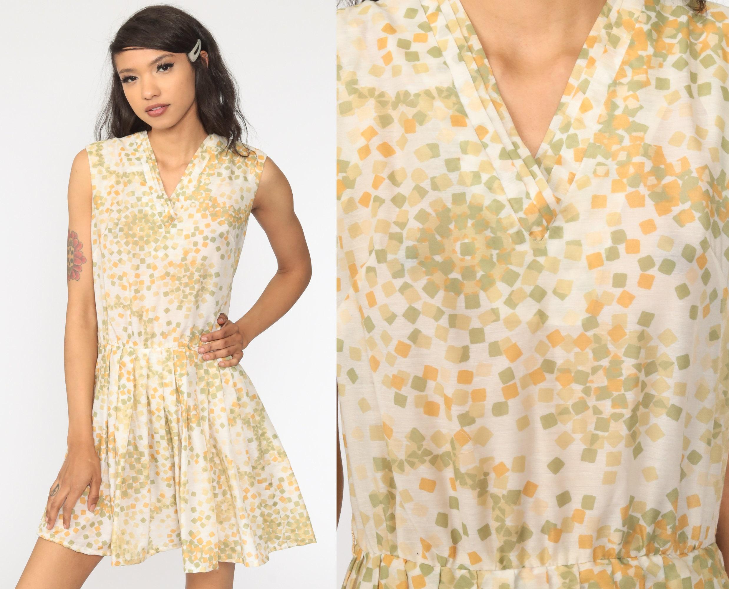 Vintage Mod dress  Geometric  Pleated