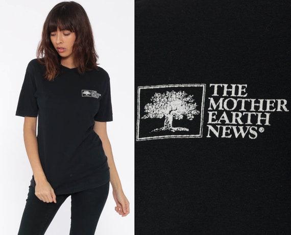 Earth Shirt Eco MOTHER EARTH NEWS Retro TShirt 80s Shirt Hippie Vintage T Shirt 80s Tee Graphic Screen Print Black 1980s Medium