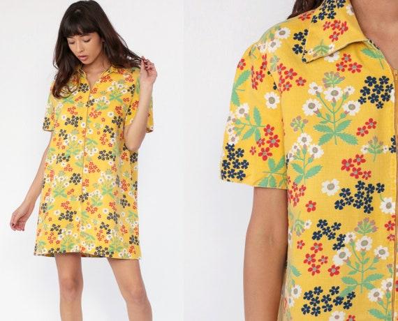 Mod Mini Dress 70s FLORAL PRINT Dress Yellow Front Zip Collared Boho Hippie 1970s Short Sleeve Vintage Bohemian Minidress Large