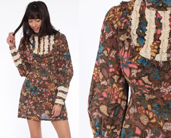 70s Floral Babydoll Dress Puff Sleeve Brown Mini Dolly Boho Batik Print Lace Bib 1970s Hippie Bohemian Empire Waist Vintage Medium