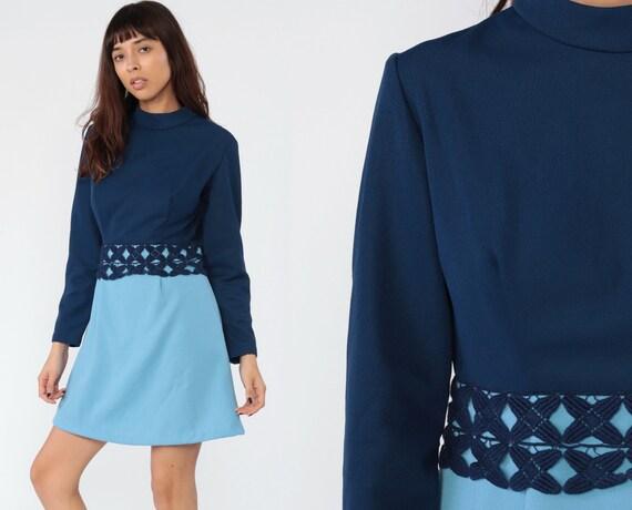 60s Mod Dress Blue Two Tone Dress Mini Babydoll High Waist Vintage 70s High Neck Color Block Long Sleeve 1970s Twiggy Gogo Baby Blue Medium