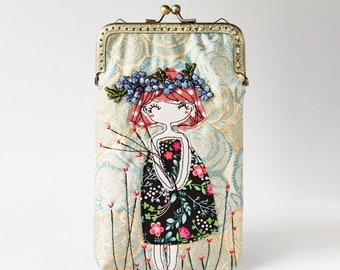 iPhone Case/Glasses Case flower ring Free Motion Embroidery  (iPhone 13 12 Pro/Pro Max/Mini, Samsung Galaxy S21/S21+ etc.)