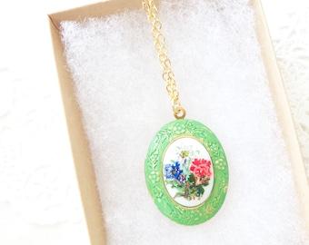 Vintage Locket - Floral Flower Locket - Green Patina Vintage Locket - Green Verdigris Locket - Flower Cameo Locket - Vintage Limoges Locket