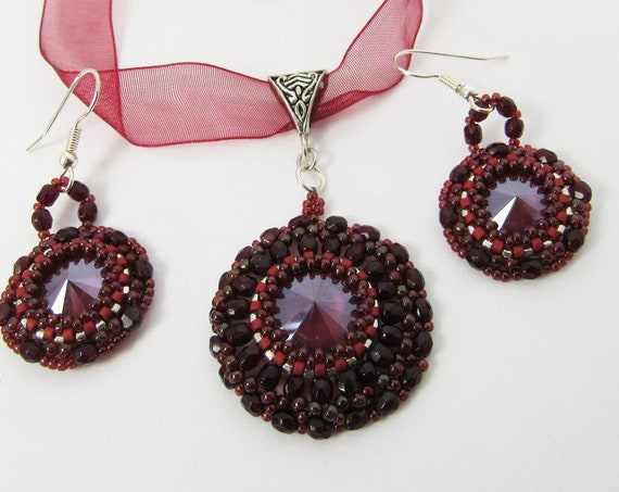 Crystal Round Dark Red Pendant Necklace & Earring Set Sku: NK1021