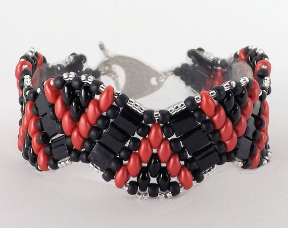 Black & Red Wave Design Bracelet - 7 inches long SKU