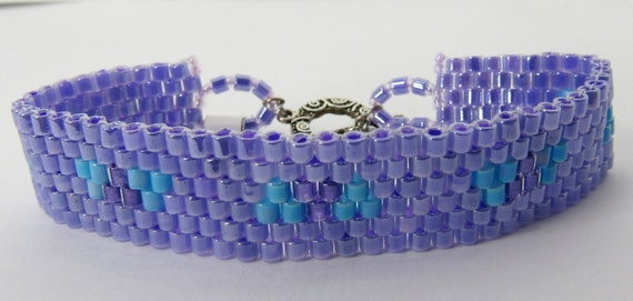 Lavender Peyote Stitch Bracelet with Accents Sku: BR1034