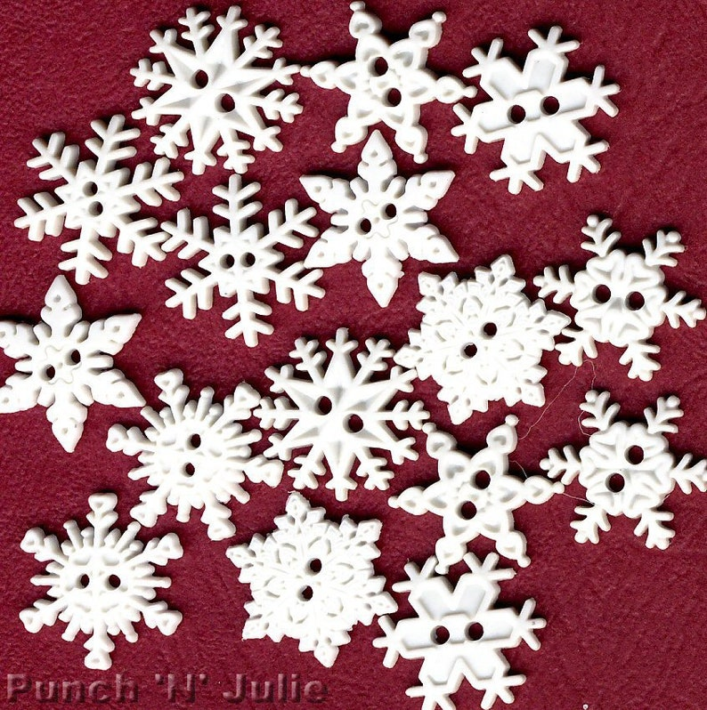 SEW THRU SNOWFLAKES White Snow Winter Christmas Novelty Dress It Up Craft Button