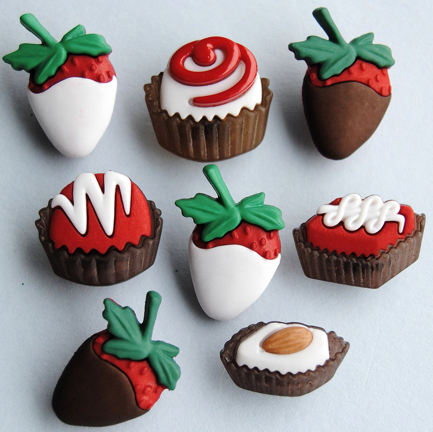 Dress it up buttons **Christmas Cupcakes** great  for cards and crafts
