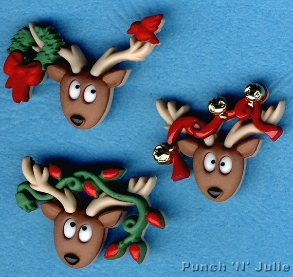 REINDEER SANTA//FATHER CHRISTMAS PAINTED WOOD BUTTONS Sewing embellishment 35mm