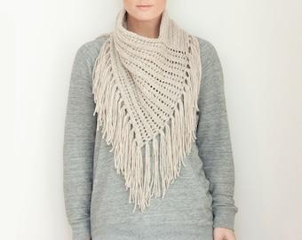 KNITTING PATTERN  — Chunky eyelet rib bandana style scarf neck kerchief with fringe / Arika Cowl — PDF