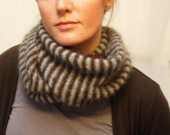 KNITTING PATTERN // Motley scarf // light lace striped -- PDF