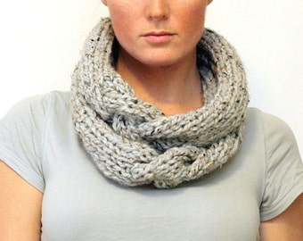 KNITTING PATTERN // Shannon cowl // stockinette cable necklace style circle scarf -- PDF