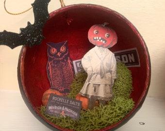 Pumpkin Girl - Halloween Diorama Ornament