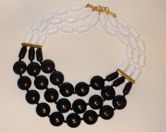 Vintage Black and White Plastic Necklace DEADSTOCK