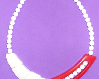 Vintage 80s Plastic Red and White Necklace DEADSTOCK