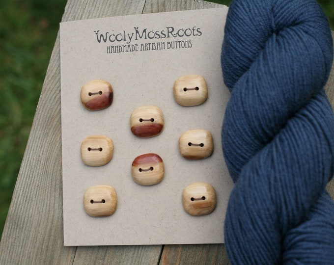 "8 Wood Buttons in Red Cedar {3/4""}"