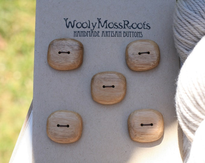 5 Buttons in Myrtlewood