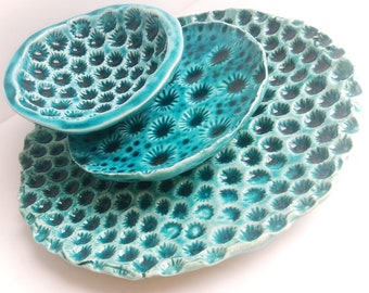 Set of two ceramic plates and one litle bowl, turquise and textured plates and bowl, set of three